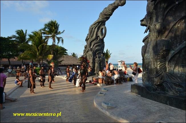 Rytuał religijny Majów w Playa del Carmen .